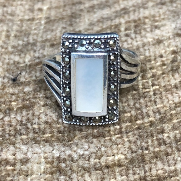 925 Silver Mother of Pearl & Marcasite Ring sz 8